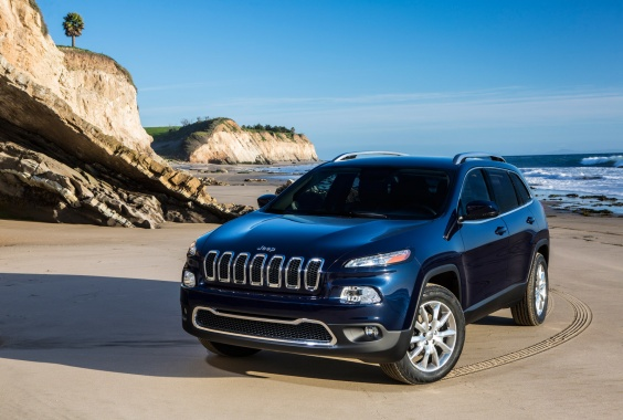 2014 Jeep Cherokee Finally Goes to Dealers