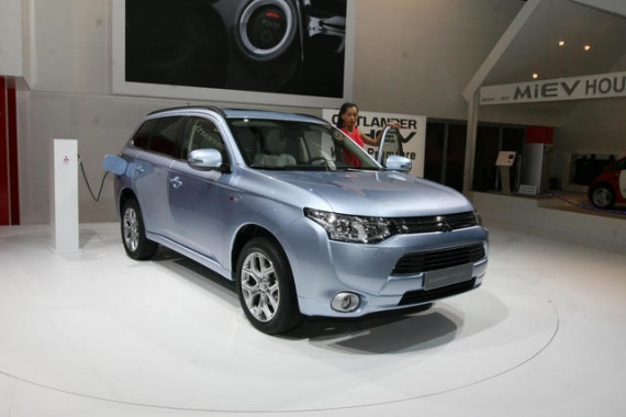 Battery Shortage Issue of Outlander PHEV by Mitsubishi