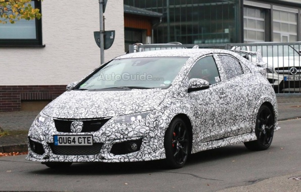 Honda Civic Type R Testing Caught by Paparazzi