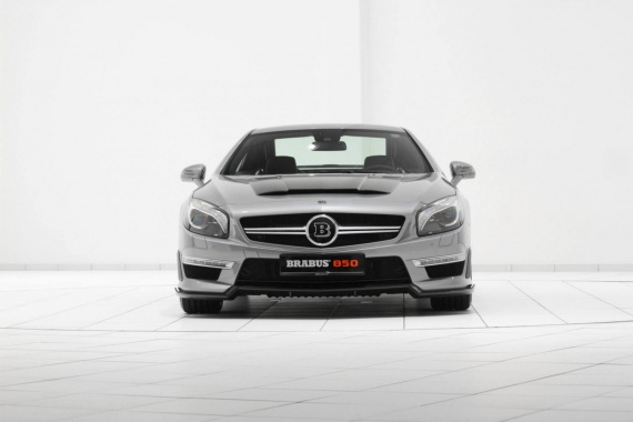 Upgrade of SL63 AMG from Mercedes to 850 hp by Brabus