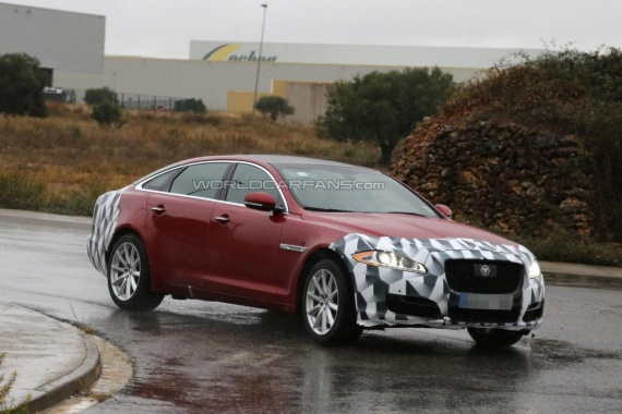 Leaked Photos of 2015 Jaguar XJ in Almost Full Attire
