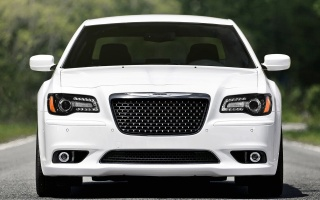 Chrysler 300 SRT might come back in America in 2016