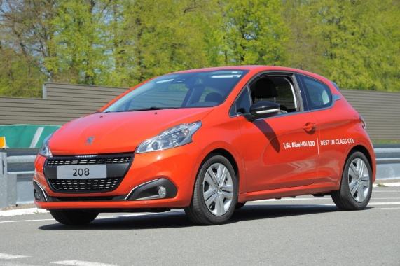 Fuel Consumption Record set by Peugeot 208 with 2.0 l/100 km