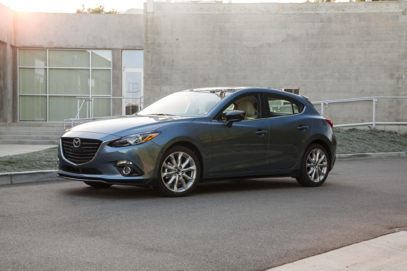 Additional Regular Equipment and New Options from 2016 Mazda3