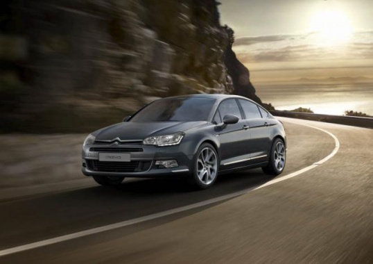 Updated Tech and Two New Engines for Citroen C5