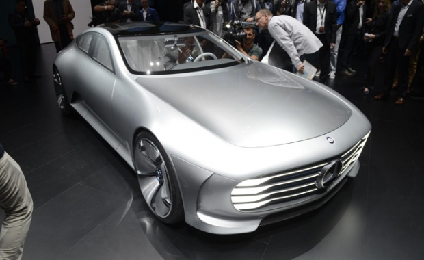 Mercedes-Benz tells its Intentions for a Tesla Fighter