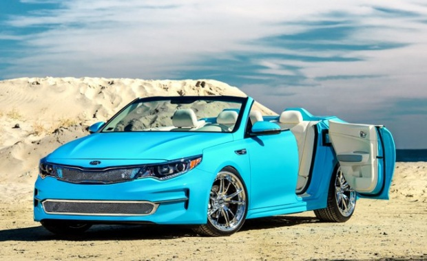 Kia Optima at 2015 SEMA Show without its Top