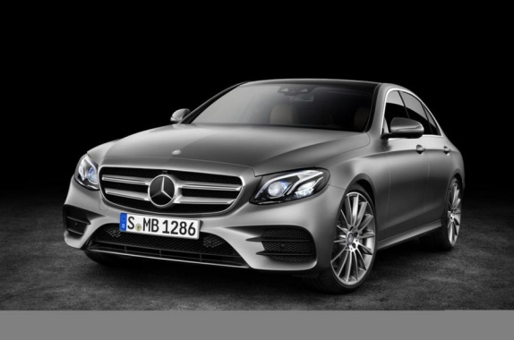 Photos of the 2016 Mercedes-Benz E-Class leaked