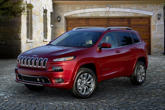 $34,695 for 2016 Jeep Cherokee Overland