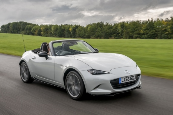 New York, Wait for the MX-5 Roadster Coupe from Mazda