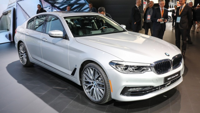 New York, Expect BMW iPerformance Plug-In Hybrid Models!