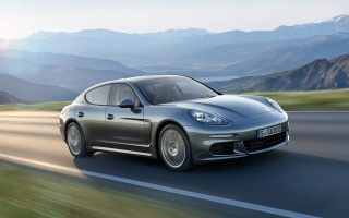 Porsche recalls several hundred Panamera sedans