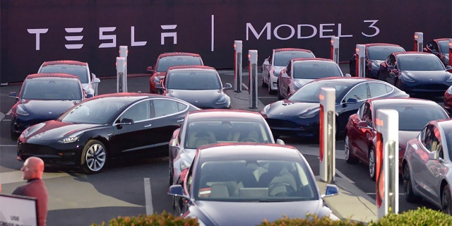 Tesla Model 3 production increases