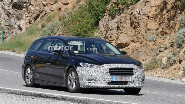 Updated Ford Mondeo is being tested in Europe