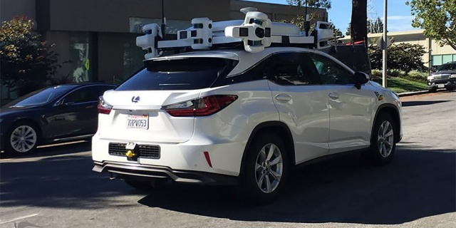 An unmanned vehicle of Apple became a participant in an accident for the first time