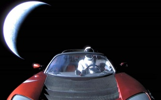 Tesla Roadster close to Mars