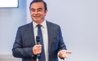 Renault and Nissan's merger postponed