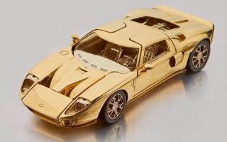 Gold copy of Ford GT will be sold at auction