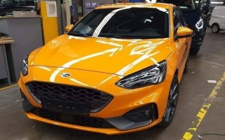 The new generation Ford Focus Sports captured without camouflage