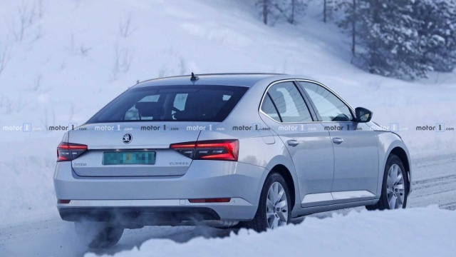 An updated Skoda Superb went to the winter roads