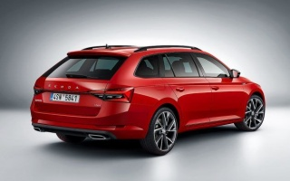 Skoda Octavia transforms into the wagon
