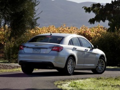 Four Stars for Safety from NHTSA to Chrysler 200 of 2014 pic #2844