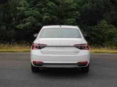 Updated Skoda Superb pictured in China