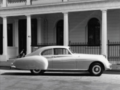 Bentley R-Type pic