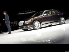 Chrysler 300C Executive Series pic