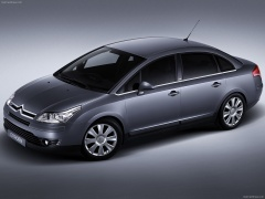 Citroen C4 notchback pic