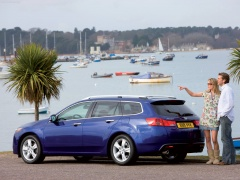 Honda Accord Tourer pic