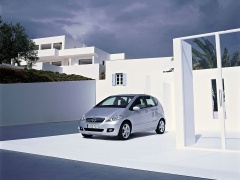 mercedes-benz a200 pic #11918
