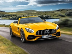 Mercedes-Benz AMG GT S pic