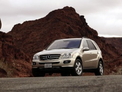 Mercedes-Benz ML pic