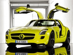 Mercedes-Benz SLS AMG E-Cell pic