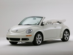 Volkswagen New Beetle Convertible Triple White pic