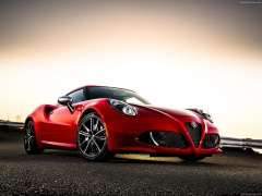 Alfa Romeo 4C Coupe US-Version pic