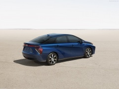 toyota fuel cell sedan pic #130590