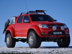 Toyota Hilux Invincible pic