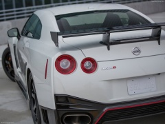 nissan gt-r nismo pic #131408