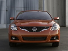 Nissan Altima Coupe pic