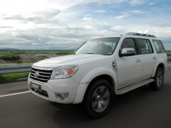 Ford Everest pic