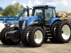 New Holland TG285 pic