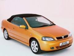 Vauxhall Astra Convertible pic